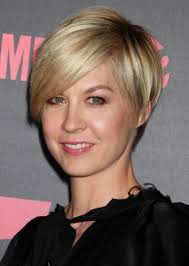 medium short haircuts for fine hair short bob for an angular face