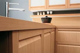 cuisine en bois frene choisir ses armoires de cuisine koupolkoupol