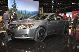 nissan midnight nissan debuts midnight editions of maxima sentra altima rogue
