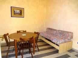 stanza guardaroba affitto camere doppie o singole ie e luminose con balcone ed