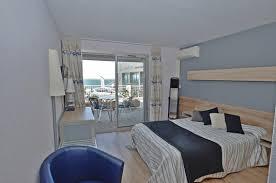 hotel avec dans la chambre pyrenees orientales chambres mobilité réduite solhotel