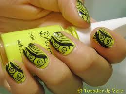 imagenes de uñas decoradas con konad manicura konad psychedelic flúor el tocador de vero
