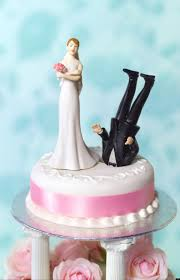 my wedding cake topper should have depicted funny weddings