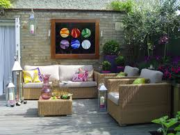 most common outdoor decorating mistakes the soothing blog