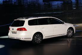 volkswagen sedan 2010 paris show 2011 vw passat sedan and estate b7 or more like b6 75