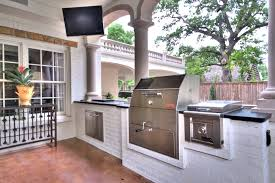 designing an outdoor kitchen or living room in fort worth
