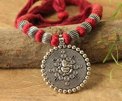 silver pendant necklace handmade images Maroon ganesha silver plated thread handmade necklace set at jpg