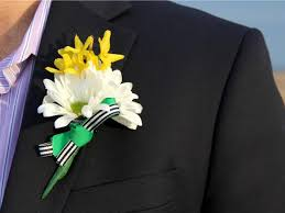 wedding boutonniere how to make a groom s wedding boutonniere how tos diy