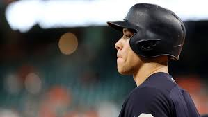 Yankees Aaron Judge Risking Historic Season With Home Run Derby - aaron judge gives somewhat unfortunate update on shoulder injury 12up