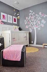 chambre de b b fille une chambre de bébé et grise c est ça la vie