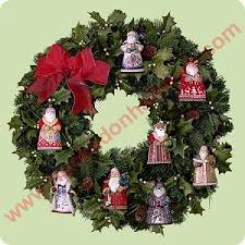 2004 santa around world display wreath hallmark ornament
