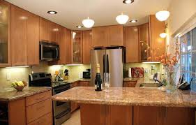 giallo fiorito granite with oak cabinets giallo fiorito granite kitchen kitchen design ideas