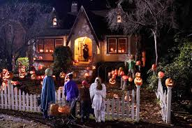 decorate house for halloween how to find the best candy houses on halloween total mortgage