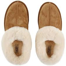 ugg moraene slippers sale ugg s moraene slippers chestnut 120 liked on