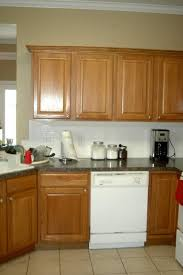 how to match kitchen cabinets with wall color paint colors to match oak wood work like cabs or floors