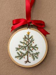 embroidered christmas freehand machine embroidery christmas decorations的圖片搜尋結果