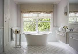 bathroom decor ideas for tropical vibes