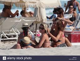 julianne hough hairstyles riwana capri julianne hough and nina dobrev and riawna capri julianne hough