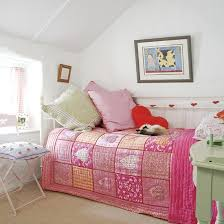 Small Girls Bedroom Exact Setup Of Lays Small Roomjust - Designs for small bedrooms for teenagers