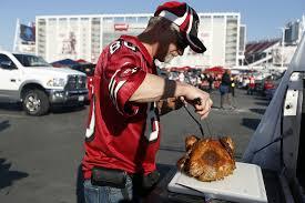thanksgiving dinner palo alto 49ers fans serve thanksgiving dinner while tailgating sfgate