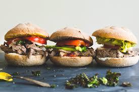 cuisiner un hamburger ères de bœuf angus deux façons hamburger et sauté aux