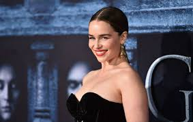 of thrones emilia clarke says she cried when the
