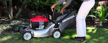 honda hrr216k9vka 3 in 1 gas mower review mowing with an extra push
