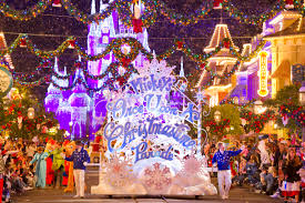 plan ahead for holiday vacations at walt disney world resort