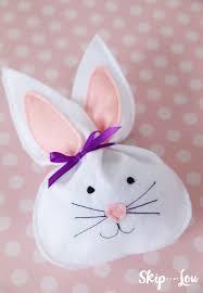 40 diy dollar store easter gift ideas felt bunny easter dinner
