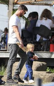 chris hemsworth and elsa pataky u0027s family day out in byron daily