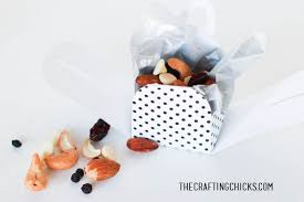 mini box nut cups place cards for thanksgiving the crafting