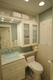 ideas for decorating small bathrooms best 25 small bathroom cabinets ideas on small