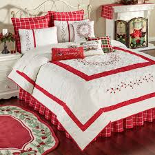 berry wreath holiday quilt bedding