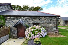 One Bedroom Holiday Cottage Top 5 Pet Friendly Holiday Cottages Holiday Cottages North Wales