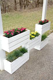 Diy Railing Planter Box by Best 25 Planters Ideas On Pinterest Diy Planters Cinder Block