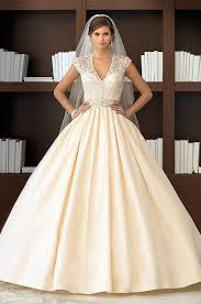 graceful a line white cream champagne veil traditional classic 40s