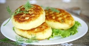 cuisine de az 15 plats à base de purée imbattables galettes de purée dorées