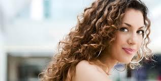 Frisuren Mittellange Haar Dauerwelle by Neue Wellige Trends In Der Welt Der Frisuren Kehrt Die Dauerwelle