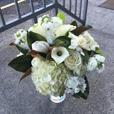 white wedding bouquets wedding flowers portland oregon