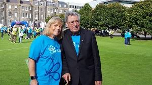 monty python legend terry jones unites with 3 500 people at memory