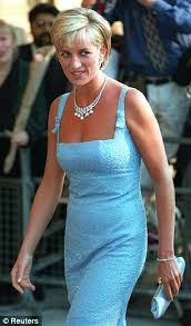 hairstyles like princess diana naomi watts pulls off another one of princess diana s iconic looks