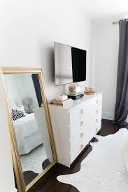 Bedroom Dresser With Mirror by Best 25 Dresser Tv Ideas On Pinterest Dresser Tv Stand Painted