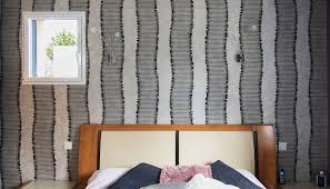 revetement mural chambre revêtement mural chambre redon couleurs matières