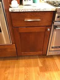 what color kitchen cabinets go with hardwood floors wood floor colors that go with cherry cabinets