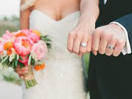how to wear your wedding ring wedding rings what s the wedding ring etiquette wedding ring