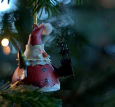 homemade primitive christmas tree ornaments for a traditional holiday