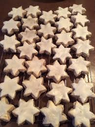 recipe for german christmas cookies called zimtsterne