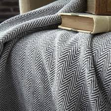 plaid coton pour canapé plaid cosy 150x200cm gris et blanc couverture de canapé badaboum
