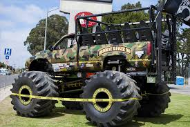 monster truck bigfoot week big foot is back youtube s car crush demo s bigfoot 21
