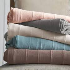 plaid jeté de canapé le jeté de lit en 44 photos pour trouver le meilleur plaid pour